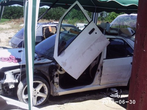 Montage des lambo doors la pr paration de la 306 show for Garage opel orthez
